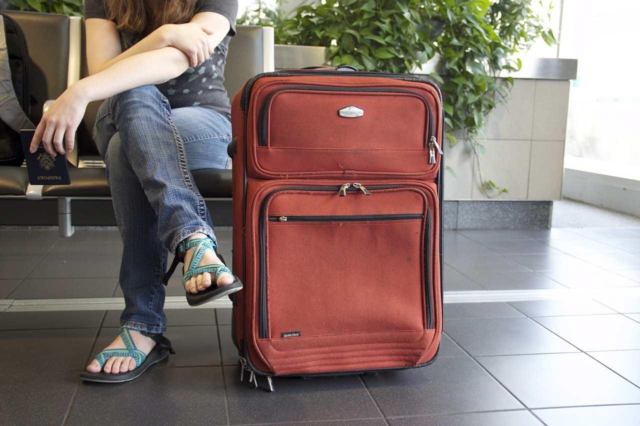 kufry-letiste-vahovy-limit-jak-usetrit-za-dovolenou